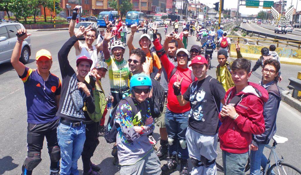 Bogota patina ruta dominguera en ciclovía